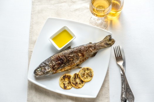 Grilled trout with lemon